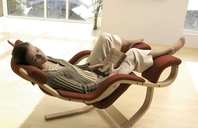 Like its name suggests the Balans Chair allows the user
