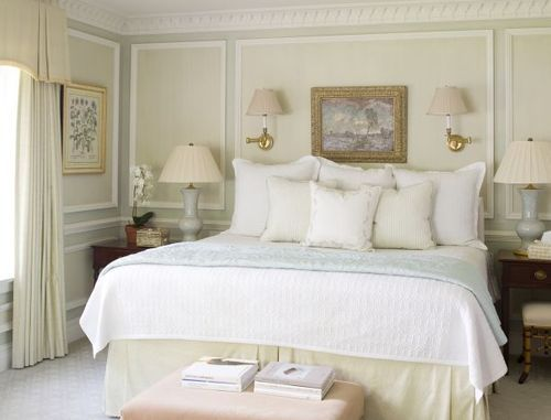 How many pillows on a bed A king bed with 3 euros and 3 square decorative pillows  Bedrooms
