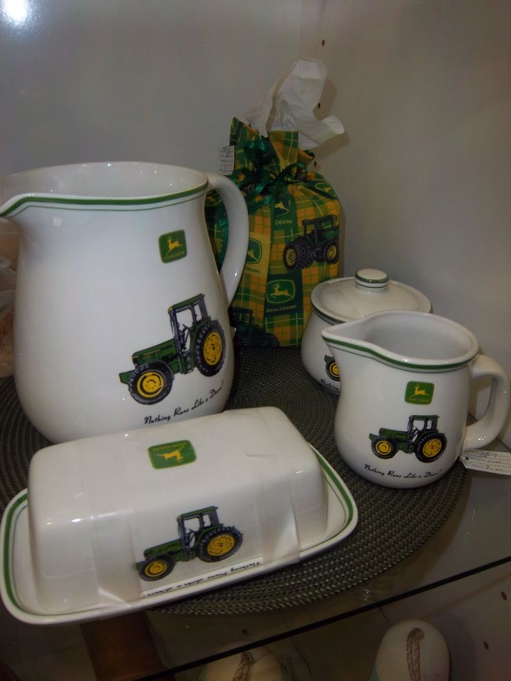 A John Deere kitchen set Coming with cream and sugar