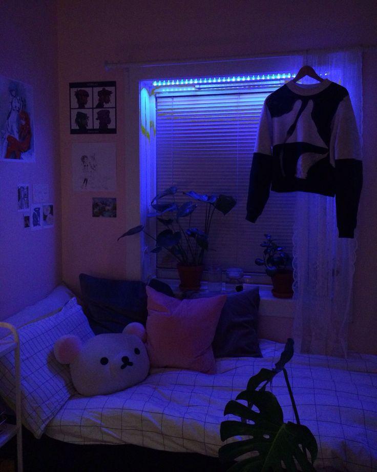 Aesthetic Purple Empty Room Novocom Top