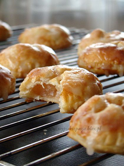 Mini puff pastry pie for-praise of simplicity   Recipes to ...