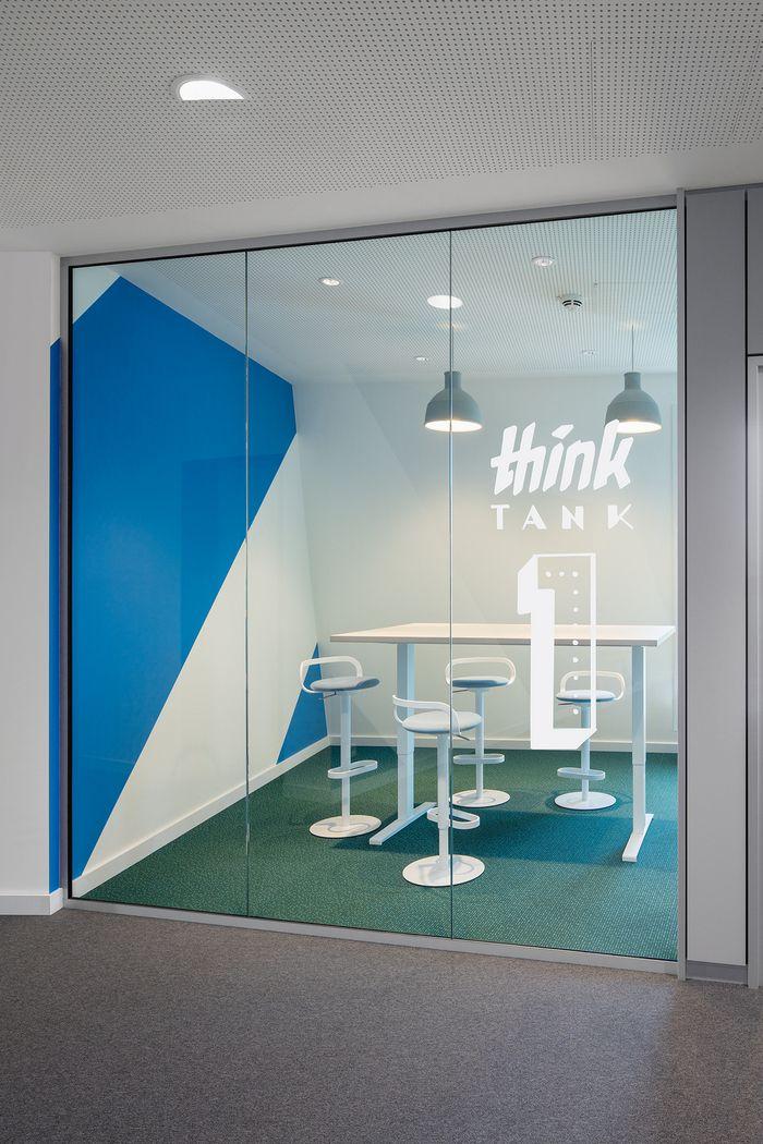 Small Modern Small Meeting Room Design Novocom Top