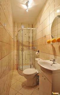 Bathroom Layouts for Small Spaces | small corner bath tub ...