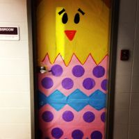 Easter door | Door Decorations/Bulletin Board Ideas ...