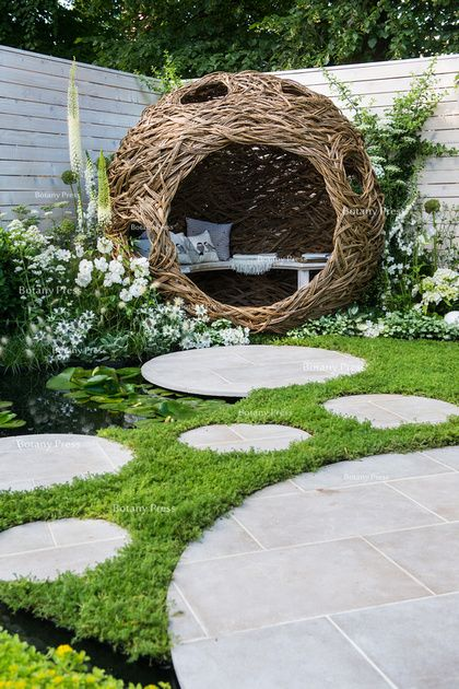 25 Best Ideas About Garden Sculpture On Pinterest Metal Garden