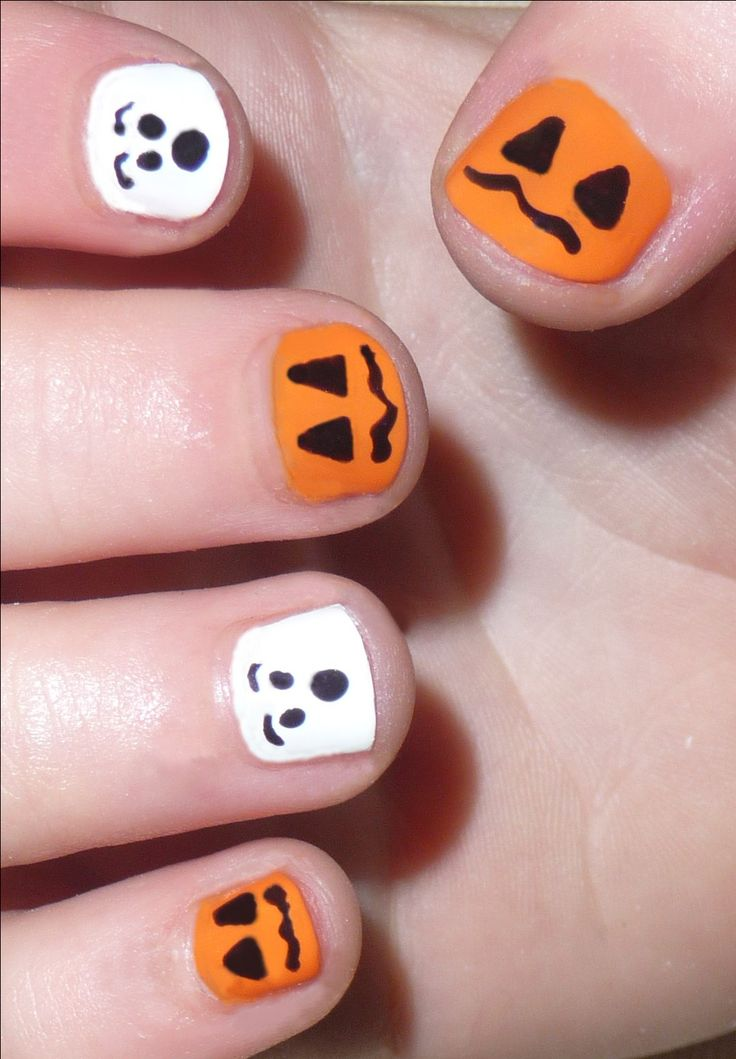 25+ best ideas about Cute Halloween Nails on Pinterest