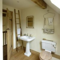 Border Oak - Suckley Cottage Bathroom | Small cottage ...
