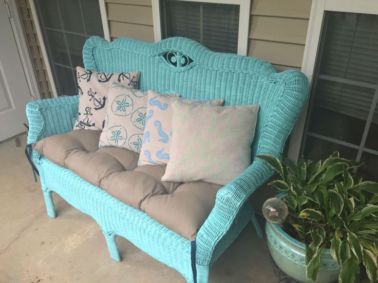 Wicker furniture makeover using spray paint   Outside