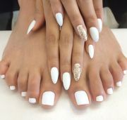 white nails ideas
