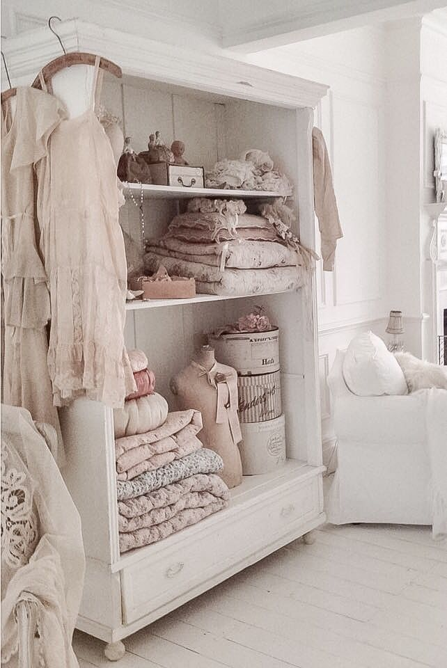 distressed leather armchair uk chair design materials 25+ best ideas about shabby chic bedrooms on pinterest | colors, decor ...