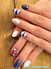 nails stripes