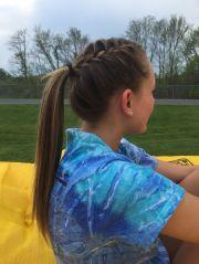 track runner hair styles
