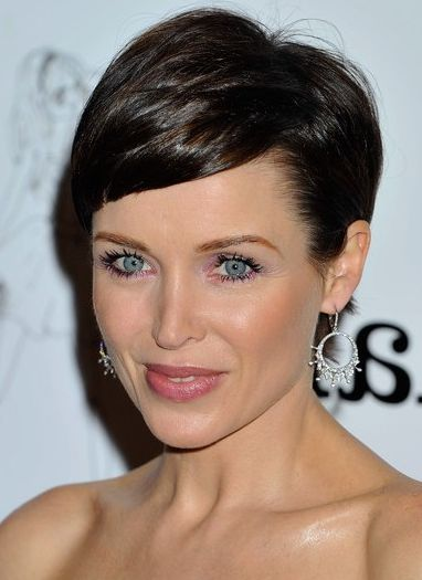 45 best images about Pixie Cuts on Pinterest  Emma watson Pixie hairstyles and Short pixie cuts