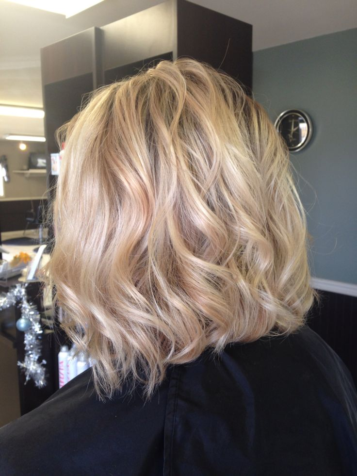 Gorgeous Beige Blonde Balayage For Short Hair With A Lob