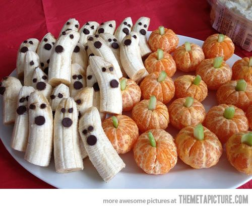 Halloween Idea - Ghosts and Pumpkins  http://onelittleproject.com/banana-ghosts-and-clementine-pumpkins/: