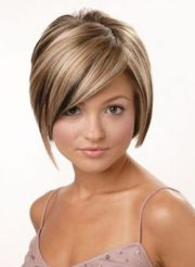 short hairstyles with burgundy