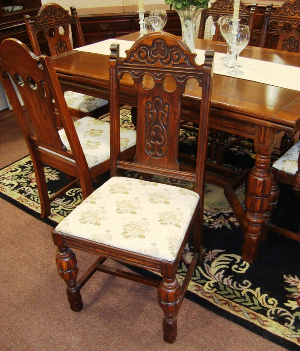 ANTIQUE JACOBEAN REFECTORY TABLE With 6 CHAIRS
