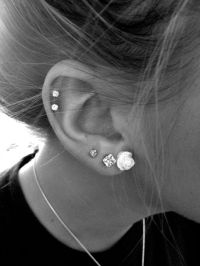 30 Cute and Different Ear Piercings | Fleur, Boucles d ...