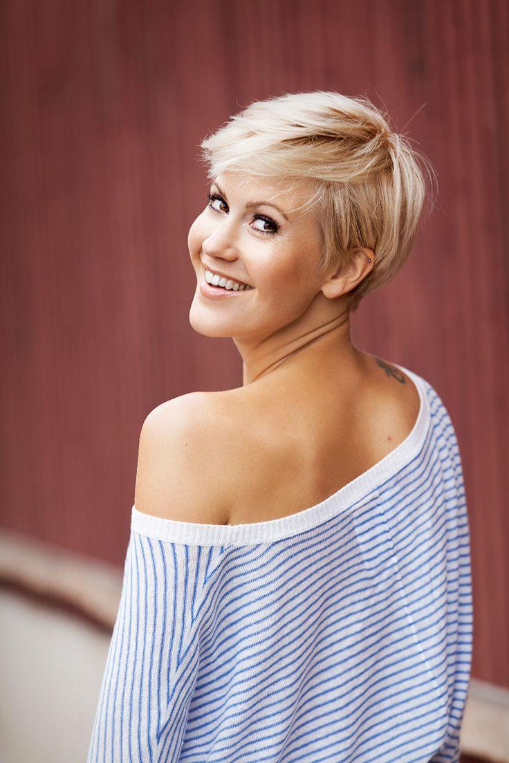 Frisuren Fur Kurze Blonde Haare – Stilvolle Frisur Website Foto Blog