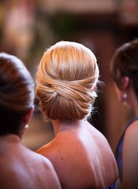 Elegant wedding hair upstyle  Love this one if Im going for something classic an