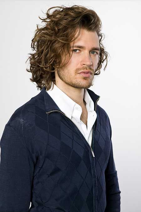 Ravishingly Long Wavy Hairstyle Heledis Com Man And