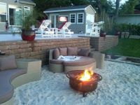 Cool sand around fire-pit at the beach. | DIY Home ...