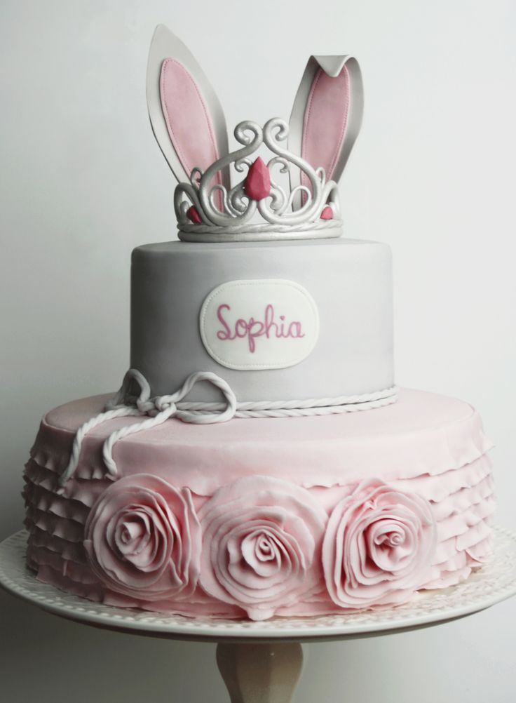 Quot Somebunny Special Quot Is Turning 1 Cakes Pinterest