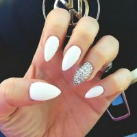 Best 25+ White oval nails ideas on Pinterest | Engagement ...