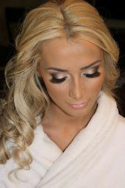 bombshell wedding makeup