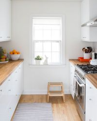 25+ best ideas about Small White Kitchens on Pinterest ...
