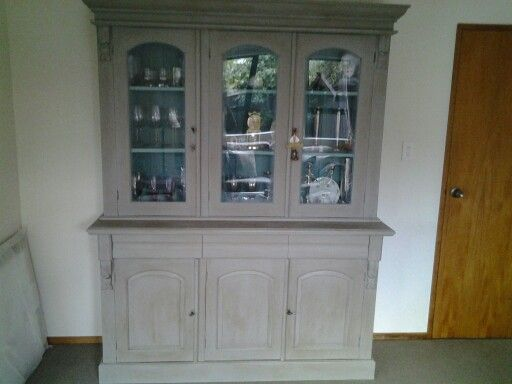 Wall unit painted with Annie Sloan chalk paint French