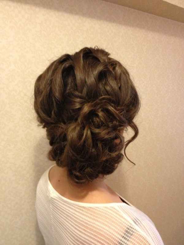 30 Loose Side Hairstyles For Prom Hairstyles Ideas Walk The Falls