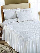 17 Best ideas about Ruffle Bedspread on Pinterest | Junk ...