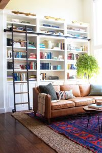 25+ best ideas about Living Room Bookshelves on Pinterest