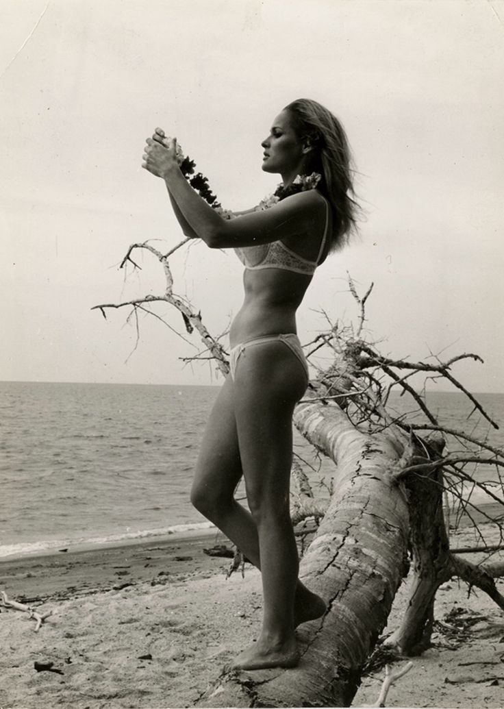 78+ images about Ursula Andress on Pinterest | First james bond movie. Terry o'quinn and The 1960s