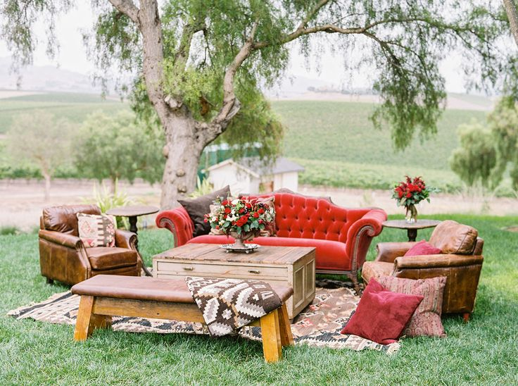 17 Best Ideas About Wedding Lounge On Pinterest