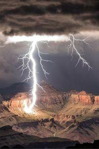 25+ Best Ideas about Lightning Storms on Pinterest ...