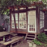 A backyard painting studio in Williamsburg | IDEAL GARDEN ...