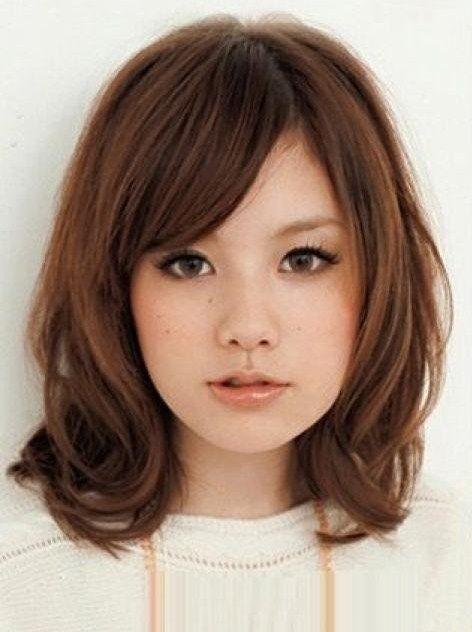 Medium Length Hairstyle For Young Women With Hair Medium Hair