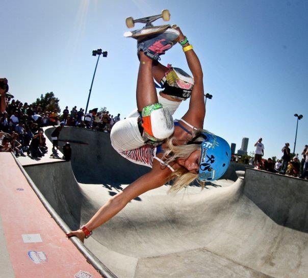 Penny Skateboards Girl Wallpaper Lyn Z Julz Lynn Handplant Skate Pinterest Nice