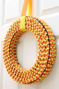 1000+ ideas about Candy Corn Wreath on Pinterest | Deco ...