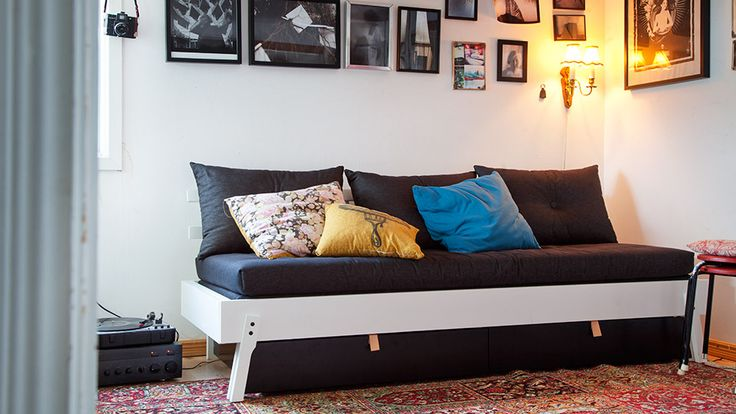 IKEA PS 2012 Daybed with drawer mattress and pillows
