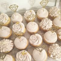 25+ best ideas about Engagement party cupcakes on ...