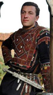 traditional costume khevsureti