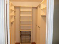 agreeable walk in closet size  Roselawnlutheran