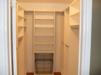 agreeable walk in closet size  Roselawnlutheran