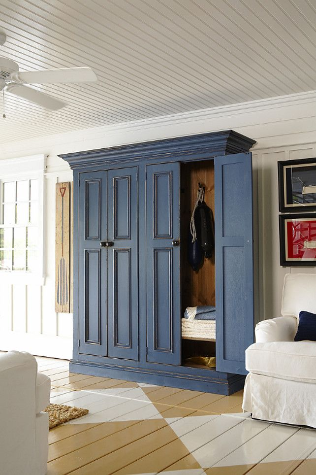 Entryway Coat Storage Cabinet To Die For! Think I Need One