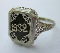 vintage ring ... don't know what year i would want ...