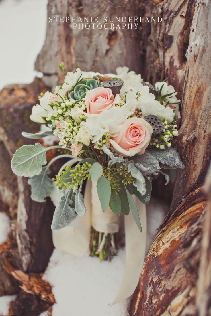 Madies Bridal Bouquet light peach roses white