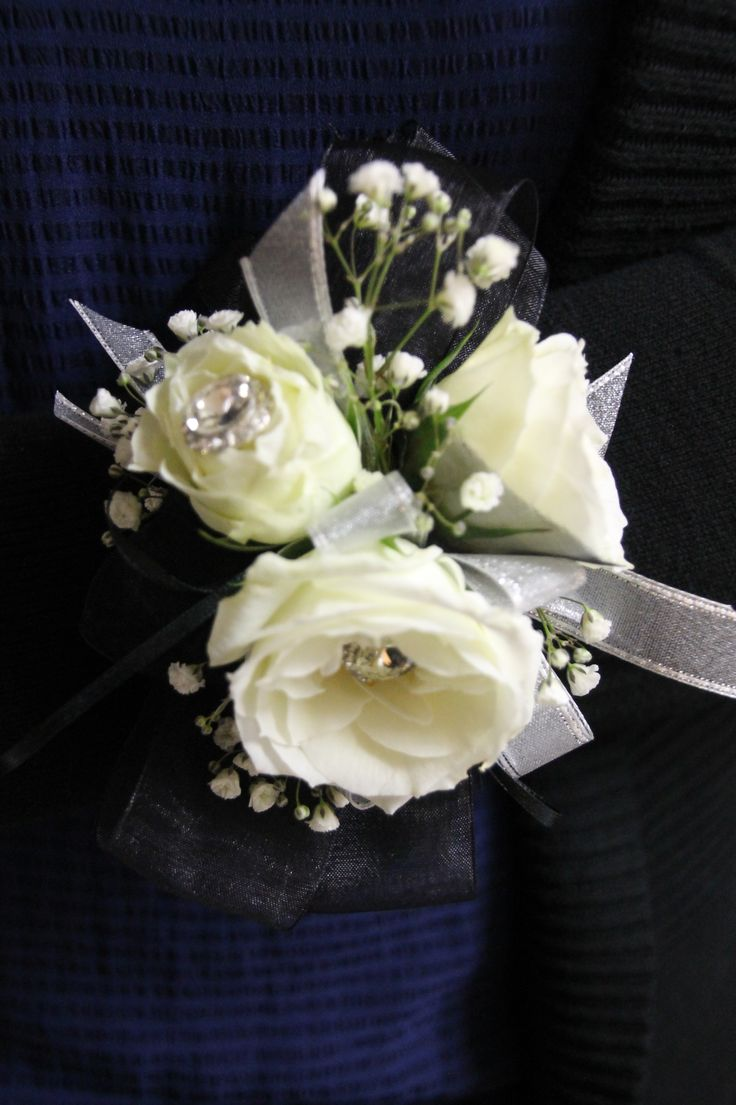 17 Best Images About Corsages Wrist Or Pin On On